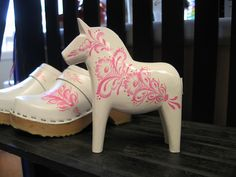 Wish I could go back to Dalarna, Sweden to get BGK one of these for her room!  (The horse, not the shoes)