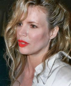 Find out who are the top 7 famous people with avoidant personality disorder. Some of the celebrities include - Michael Jackson and Kim Basinger. Kim Basinger, Breck Shampoo, Avoidant Personality, Personality Disorder, From Here To Eternity, High Cheekbones, Gotham Girls, Moving To Los Angeles, Richard Gere