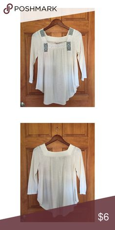Boho style swing shirt Cream, boho style swing shirt with squares neck. Brand Mudd. Size MEDIUM. Mudd Tops Tunics