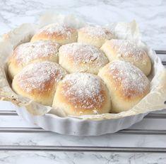 """Sökresultat för """"brytbröd"""" – Lindas Bakskola Danish Food, Tzatziki, Hamburger, Bakery, Bread, Bread Store, Breads, Baking, Hamburgers"""