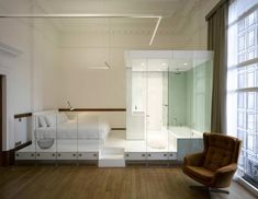 frameless glazing partitions to create pods at the Town Hall Hotel renovation by IQ - Hotels Design Architecture Open Plan Bathrooms, Open Bathroom, Glass Bathroom, Bathroom Stuff, Washroom, White Bedroom Suite, Hall Hotel, Hotel Apartment, Apartment Layout