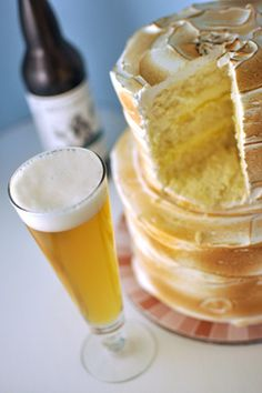 Craft beer and wedding cake pairings. Why not? ;)