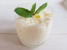 Mascarpone met citroen is een lekker fris toetjes om te maken. Bekijk dit lekkere Italiaanse dessert recept op AllesOverItaliaansEten.nl!