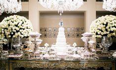 Sofisticada mesa bisotada espelhada - Decoração branca por João Callas - Foto Rodrigo Sack
