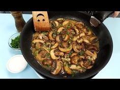 Romanian Food, Romanian Recipes, How To Cook Mushrooms, Kung Pao Chicken, Paella, Meal Planning, Stuffed Mushrooms, Veggies, Cooking Recipes
