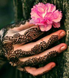 Henna hand patterns