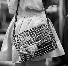 CARRY CAGE | ANNDRA NEEN — Patternity
