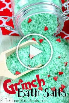 Here are 16 awesome ideas for diy Christmas decorations. Diy Christmas Gifts For Family, Why Christmas, Christmas Hacks, Large Christmas Baubles, Christmas Crafts, Christmas Decorations, Diy Crafts Videos, Diy Crafts To Sell, Diy Crafts For Kids