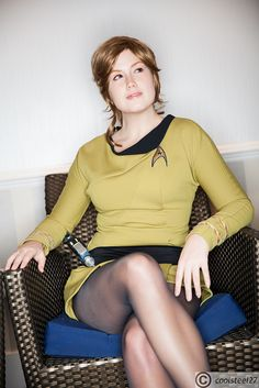 Check out the hottest Trek Cosplays! Cosplay Outfits, Cosplay Girls, Cosplay Costumes, Star Trek Uniforms, Star Trek Cosplay, Star Trek Characters, Star Trek Original, Star Trek Ships, Bd Comics