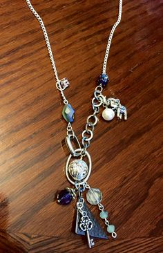 Silver Charms, Handmade Necklaces, Crystal Beads, Antique Silver, Pendant Necklace, Facebook, My Style, Shop, Etsy