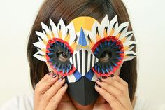 Paper bird mask by Diana Beltran Herrera Masque Halloween, Halloween Arts And Crafts, Diy Halloween, Paper Art Design, Crafts For Seniors, Senior Crafts, Wolf Mask, Bird Masks, Paper Mask
