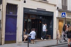 Le Lockwood//Paris//Bar//so chic Paris Bars, Chic, Travel, In The Rain, Sun, Shabby Chic, Viajes, Classy, Trips