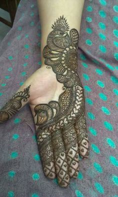 Easy Henna Pictures - Easy Henna Design Only Palm Pictures Gallery for Girl. best collection easy henna design images gallery that suitable for girlTikki Mehndi Designs For Eid ul Fitr you will get the latest and beautiful collections of Meh Henna Hand Designs, Mehndi Designs Finger, Peacock Mehndi Designs, Mehndi Designs For Girls, Modern Mehndi Designs, Mehndi Design Pictures, Mehndi Designs For Fingers, Mehndi Patterns, Arabic Mehndi Designs