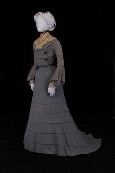 Wedding Dress: 1902, Museum of Texas Tech University