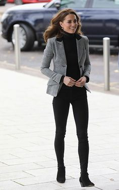 d1cbe06d325 Kate Middleton stuns in grey Smythe blazer and skinny jeans during visit to  Essex