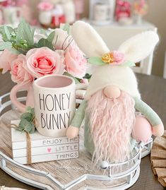 We are not at Easter yet but I had to take a picture of this beauty 🙈😍🥰🌸🐇🐰💕 Creative Crafts, Fun Crafts, Diy And Crafts, Crafts For Kids, Easter Projects, Easter Crafts, Easter Decor, Easter Centerpiece, Easter Table