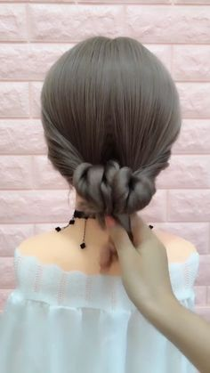20 Braid Hairstyles video Tutorials in 2019 In 2019 Braid hairstyle has always been a symbol of beauty. And no matter, short or long hair, hair with braids will always give originality, mysteriousness, and charm to your… Continue Reading → Braided Hairstyles Tutorials, Pretty Hairstyles, Easy Hairstyles, Girl Hairstyles, Hairstyles 2016, Hairstyle Ideas, Hair Upstyles, Hair Videos, Hair Hacks