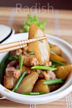 Little Inbox Recipe ~Eating Pleasure~: Radish and Pork Belly 萝卜烧肉