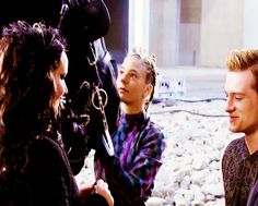 This look though :) Jen & Josh behind the scenes of Catching Fire ♥