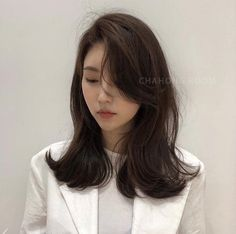 Today's hairstyle sharing - Hair Go Korean Medium Hair, Korean Long Hair, Korean Hair Color, Asian Hair, Medium Hair Cuts, Medium Hair Styles, Curly Hair Styles, Side Bangs Hairstyles, Permed Hairstyles