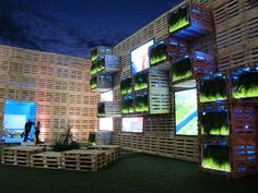 Pavilion Covered with 7,000 recycled wood pallets at Rio+20 Exhibition, Rio De Janerio, Brazil. Photo by Paula Alvarado.