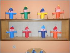 výrobky z ruliček - Hledat Googlem Winter Art, Winter Time, Activities For Kids, Crafts For Kids, Toy Chest, Projects To Try, Education, Children, Inclusive Education