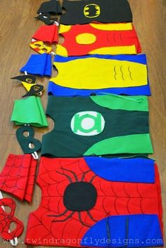 Need an idea for our costume contest this weekend? Dragonfly Designs: No Sew SUPER HERO COSTUMES Tutorial. Make your own spiderman, Green Lantern or Batman costume in just a few hours. Sewing For Kids, Diy For Kids, Crafts For Kids, Arts And Crafts, Diy Crafts, Hero Crafts, 5 Kids, Sewing Diy, Tutorial Fantasia