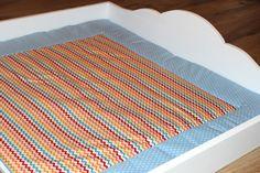 Diese wunderschöne Wickelauflage in blau/rot/orange ist mit Volumenvlies gefüllt und man kann sie von beiden Seiten nutzen.  Sie ist passend für den Wickelaufsatz mit den Maßen 85cm x 75cm genäht worden.  Die Wickelauflage sollte nur bei 30 Grad gewaschen werden, nicht zu heiß und ohne Dampf gebügelt werden. Die Stoffe sind 100% Baumwolle.  Wie alle Podukte die ich gemacht habe, ist die Wickelauflage mit viel liebe und sorgfalt hergestellt worden.