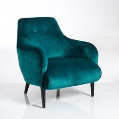 Fauteuil velours, Lipstick - €374,62 (Source : http://www.laredoute.fr/vente-fauteuil-velours-lipstick.aspx?productid=324427394&documentid=999999)