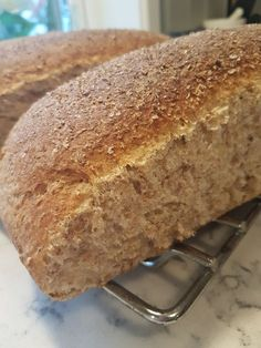 Selvgjort er velgjort Bread Machine Recipes, Bread Recipes, Cake Recipes, Cooking Recipes, Holiday Desserts, No Bake Desserts, Food Porn, Norwegian Food, Food Humor