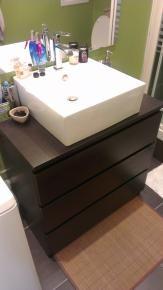 Commode de salle de bains sur pinterest vanit s de salle de bain coiffeuse - Commode de salle de bain ...
