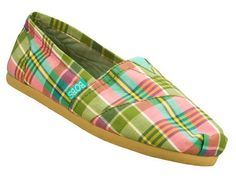 Sport all the colors of Spring with the SKECHERS BOBS - Support shoe.