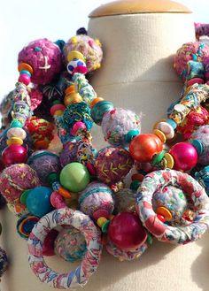 textile necklaces | Flickr: Intercambio de fotos