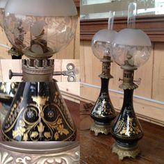 paire de lampes à pétrole décor àlafeuille d'or,globe verre sablé . XIX siècle .