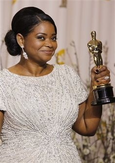 Huge congrats to Octavia Spencer, a true Southern Lady, an SEC girl & Auburn Alumna, on winning an Oscar for The Help! First winner ever from the great state of Alabama. As Octavia said on the red carpet tonight. Auburn Football, Auburn Tigers, Oscars 2012, Actor Secundario, Octavia Spencer, Auburn University, Oscar Winners, Best Actress, Queen