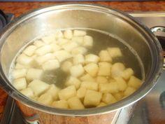La ricetta di questi gnocchetti all'acqua è davvero tanto geniale quanto semplice. Si preparano in pochi minuti, sono facilissimi ed il risultato è ottimo.