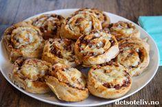 Grove pizzasnurrer Scones, Granola, Shrimp, Food And Drink, Pizza, Snacks, Baking, Breakfast, Ethnic Recipes