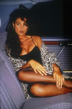 Monica Bellucci Photo, Monica Belluci, Most Beautiful Women, Beautiful People, Italian Actress, Hommes Sexy, Beautiful Actresses, Sexy Outfits, Movie Stars