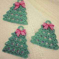 Crochet tree, for Christmas decorations, set of 6 tree decorations, wonderful for your Christmas tree. A Christmas tree measures: The crochet C Christmas Tree Yarn, Crochet Christmas Cozy, Crochet Christmas Decorations, Christmas Stocking Pattern, Christmas Crochet Patterns, Crochet Decoration, Christmas Crafts, Tree Decorations, Crochet Tree