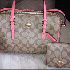 Coach purse and wallet AUTHENTIC Brand new condition, used one time! Coach Bags