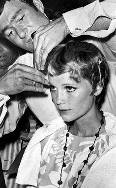 Peinados de iconos de belleza que han marcado una época: el corte de pelo de Mia Farrow