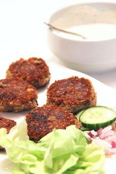 FALAFELS AU SARRASIN KASHA - Voilà un moment que je voulais partager avec vous cette recette et je ne pouvais plus attendre! Les falafels sont un de mes plats de fast-food préférés, je ne peuxm'empêcherde vérifier s'il y en a à la carte quand je rentre dans un kebab .S'il y en a, un duel sans mercis'opèredans mon cerveau entre…