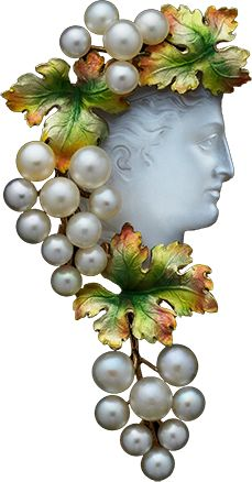ALBION ART Antique Jewelry - Gold, pearl, enamel, moonstone brooch, ca.1880. Show the right profile in the head statue Bakkante, red and green in the cluster of pearl natural drooping over her shoulder, cameo of Moonstone, which is set in gold jewelry of the 19th century enamel-tinged color of gold grape leaves that was given is crowned in the hair rippling. Are decorated also back. Made in the USA probably.