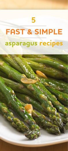 15 minute roasted asparagus recipe - a quickly roasted asparagus recipe simply tosses fresh asparagus with oil, garlic and salt! Easy Asparagus Recipes, Vegetable Recipes, Fresh Asparagus, Side Dish Recipes, Easy Dinner Recipes, Dinner Ideas, Food Styling, Cooking Recipes, Healthy Recipes
