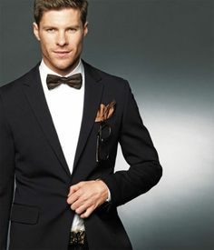 Xabi Alonso Xavi Alonso, John Terry, Star Wars, Black Tie Affair, Super Mom, Gentleman Style, Soccer Players, Well Dressed, Mens Suits
