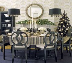 silver-white-christmas-color-dining-room-decorating
