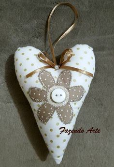 Craft Projects, Projects To Try, Fabric Hearts, Valentine Special, Arts And Crafts, Birds, Christmas Ornaments, Holiday Decor, Diy