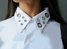 Eyelet embellished Collar-Trash To Couture,a classic white shirt with a little hardware added to it and Dritz eyelets are perfect. Ny Fashion Week, Diy Fashion, Trash To Couture, Eyelet Top, Diy Clothes, Refashioned Clothes, Upcycled Clothing, Clothing Ideas, Embellished Top