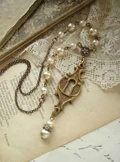 So pretty! Vintage hardware necklace.