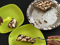 Edwards S'Mores pie, the perfect summer dessert!! Delicious and no bake pie!! #GotItFree , #OwnTheOccasion, @edwardsdesserts